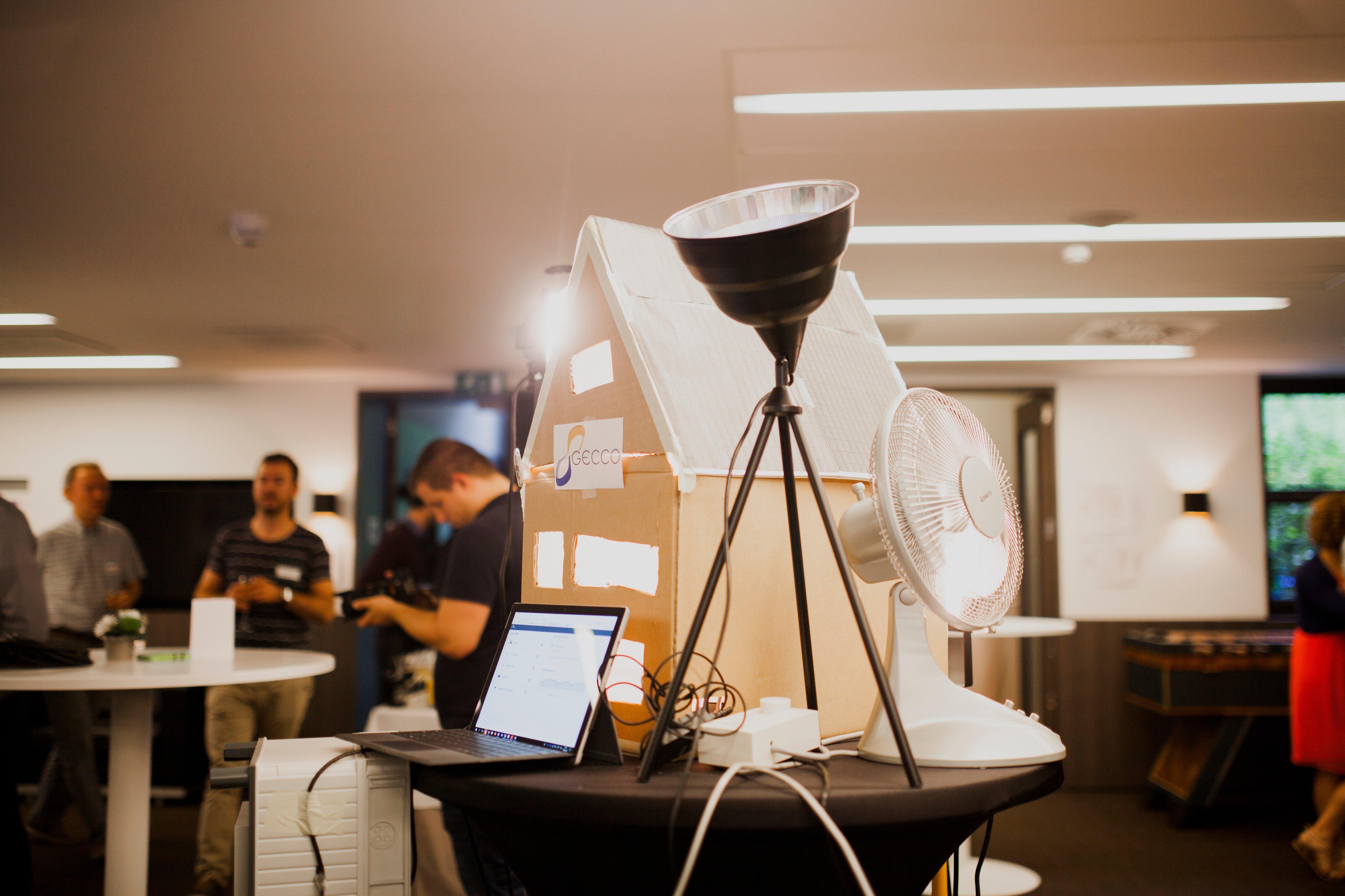 Hackathon 2018: Team Gecco